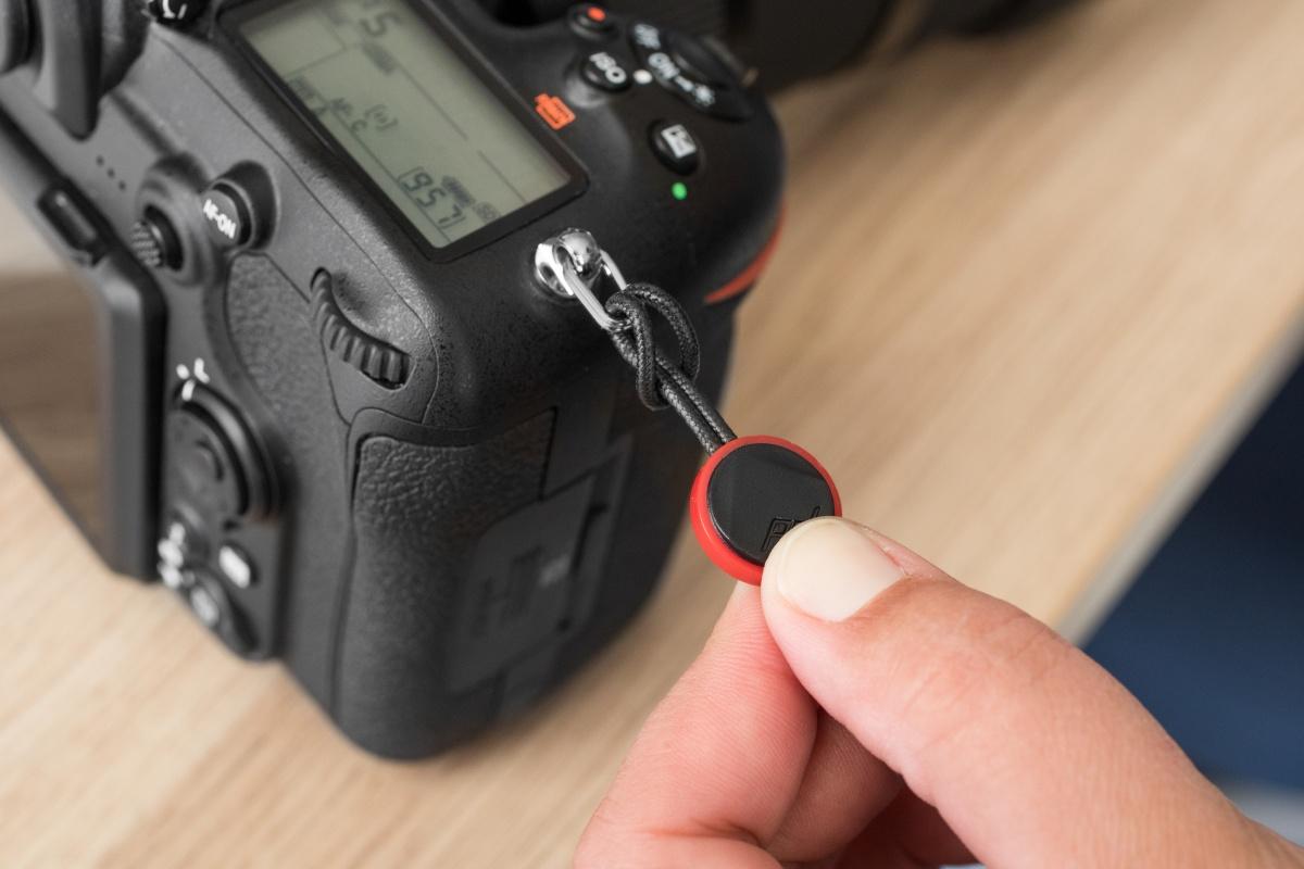 カメラにアンカーを取り付ける
