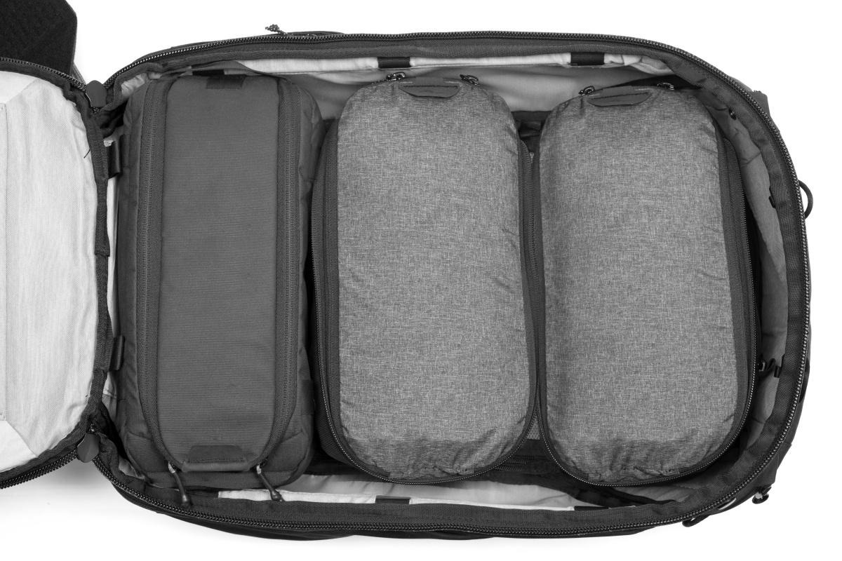 カメラキューブやパッキングキューブを組み合わせ トラベルバックパック45L Travel Backpack - Peak Design ピークデザイン