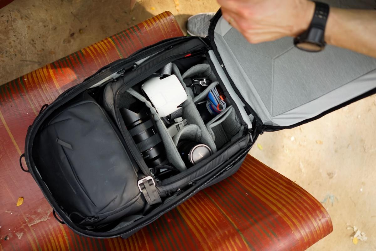 ピークデザイン トラベルバックパック45L 使用イメージ