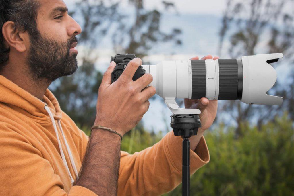 ピークデザインのトラベル三脚は大型のカメラとレンズをサポート