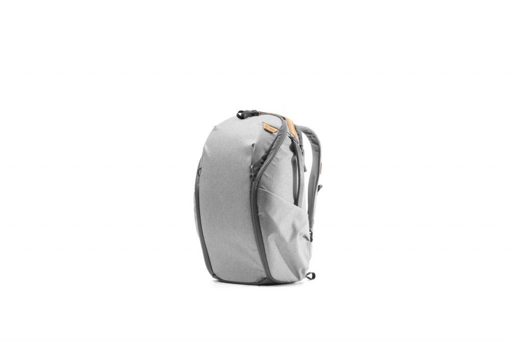 エブリデイバックパックジップ 20Lサイズ アッシュ EVERYDAY BACKPACK ZIP – Peak Design