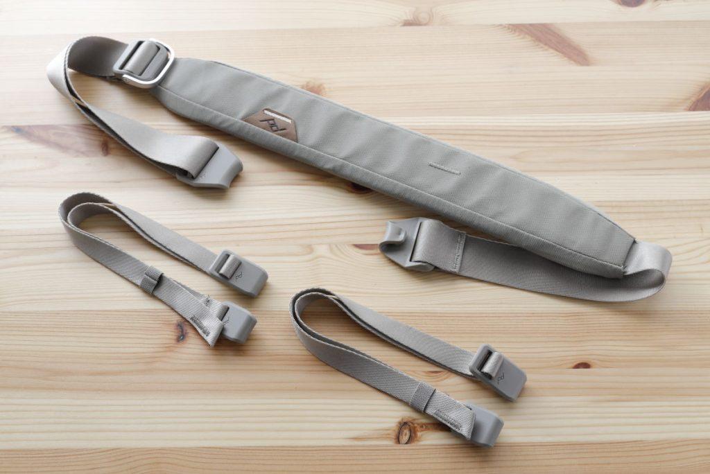 エブリデイトート付属の肩掛けベルトと荷物外付け用のヒモ×2